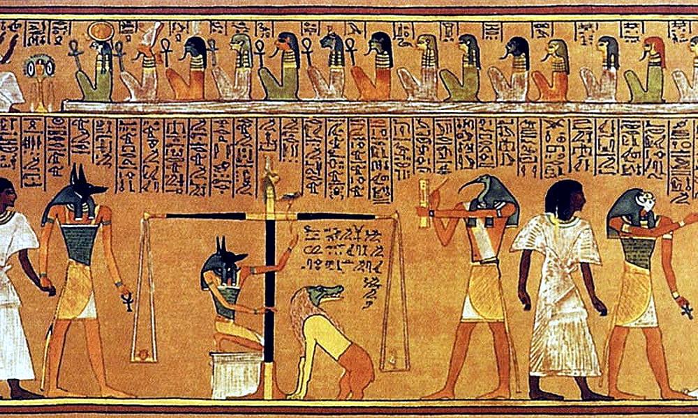 Лучше всего до наших дней сохранились рисунки древних людей выполненные на
